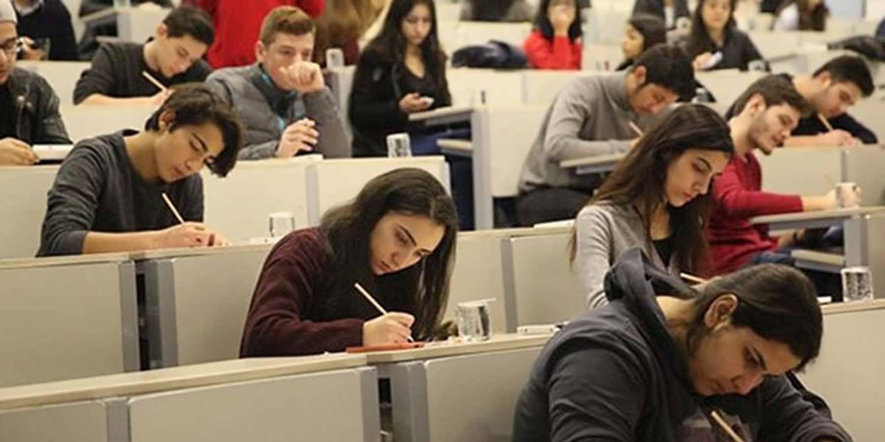 Üniversite 3. Sınıf Öğrencileri KPSS Lisans Sınavına Girebilir Mi?