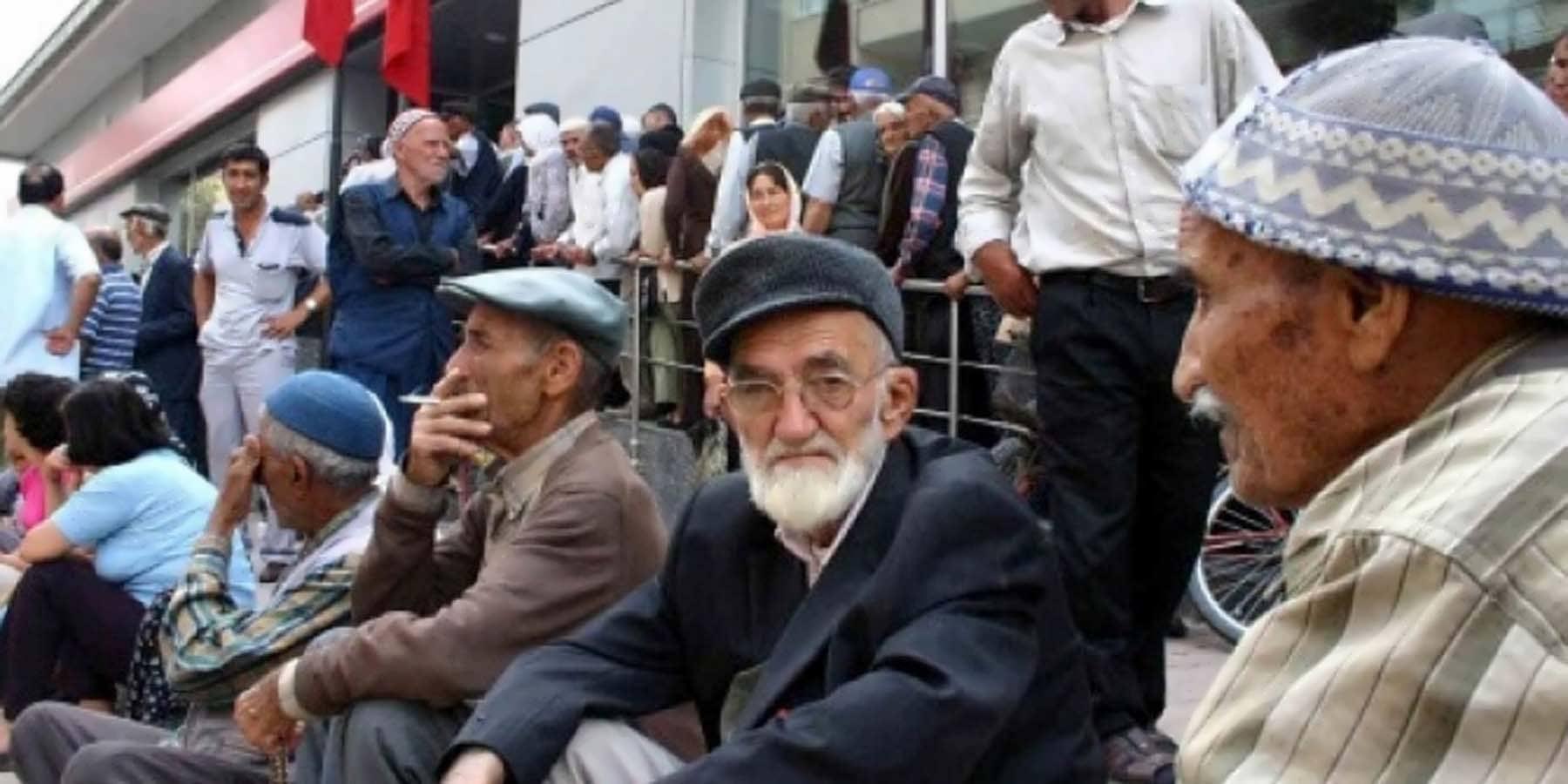 Emeklilere AYM'den İntibak Kararı