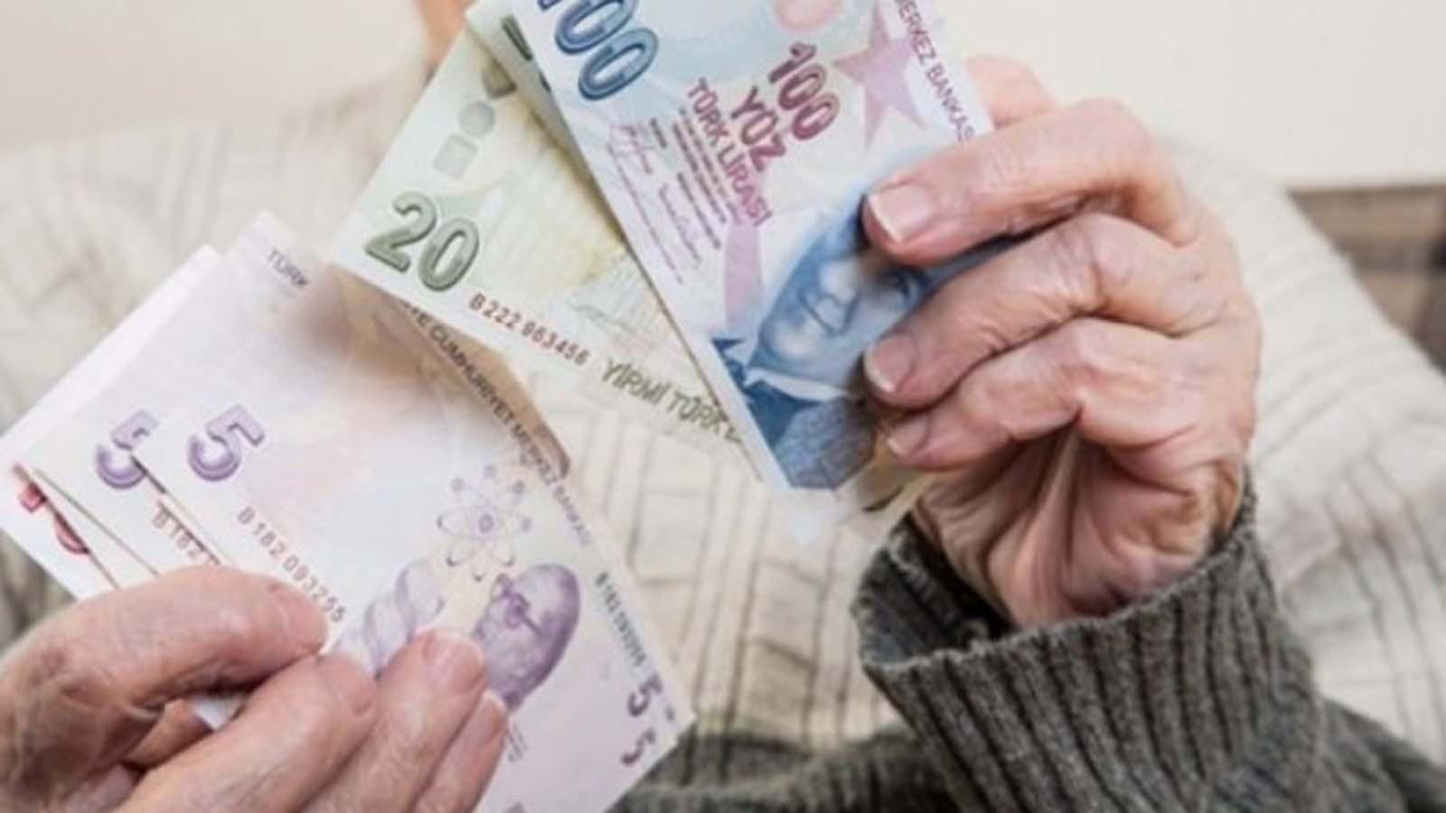 Yeni Yılda Emeklilerin Bayram İkramiyesine Zam