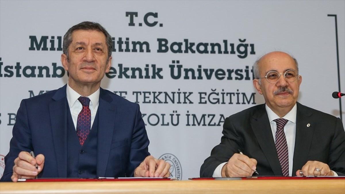 Türkiye'de İlk Kez Lisede Akademisyenler Eğitim Verecek